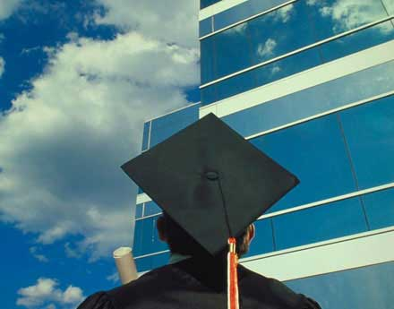 Why Looking for a Job Now is Best for Graduating Students
